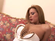 Dildo Session avec Dorothy Black