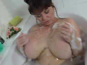 MV In The Tub